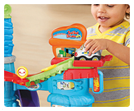 Launch the police car after the mini getaway car, change the track paths, encouraging imaginative and repeat play.