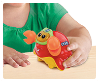 Float the crab around in the bath or push it around on its wheels when playing on dry land!