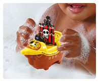 Float the pirate ship around the bath or push around on its wheels when playing on dry land!